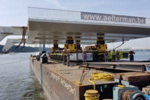 Замена настила моста в порту Антверпена с использованием подъемной системы 2