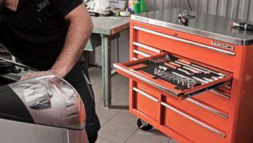 Промышленная мебель в автосервисе: излишество или необходимость?