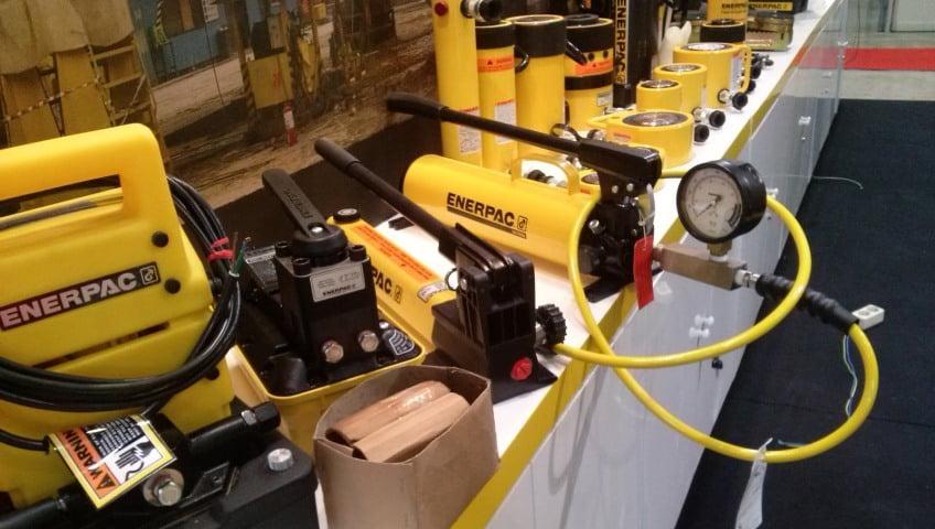 Универсальные комплектующие Enerpac для промышленной гидравлики
